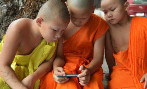 kids using a cellphone