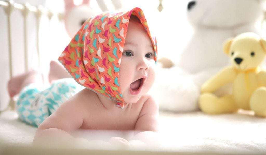 baby language through gestures